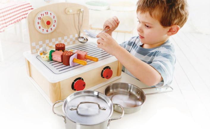 Cucina giocattolo bambini giochi cucina in legno hape for Cucina giocattolo